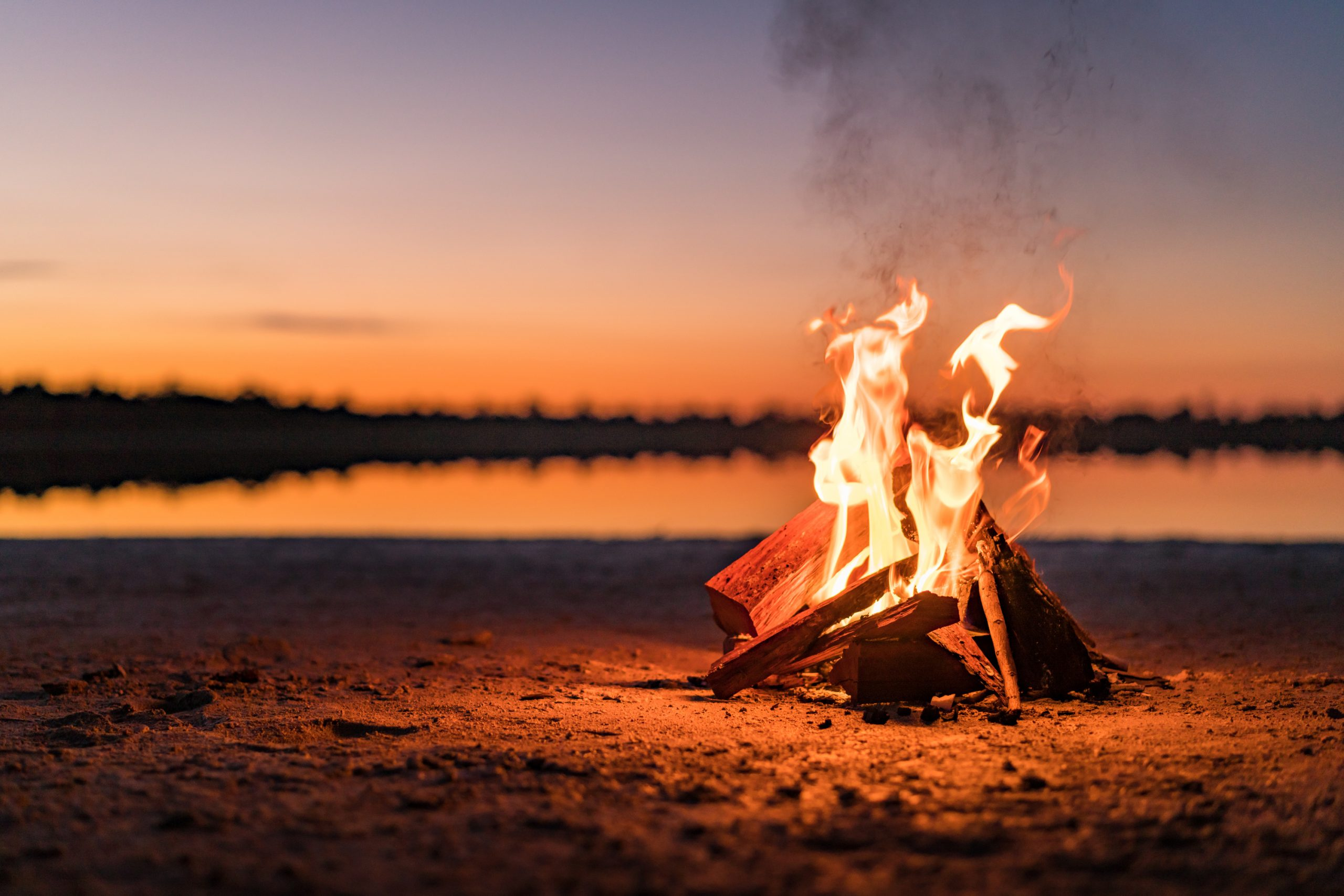 If you're headed to the outdoors, you will want to know these amazing camping hacks! We even have camping hacks that you can DIY.