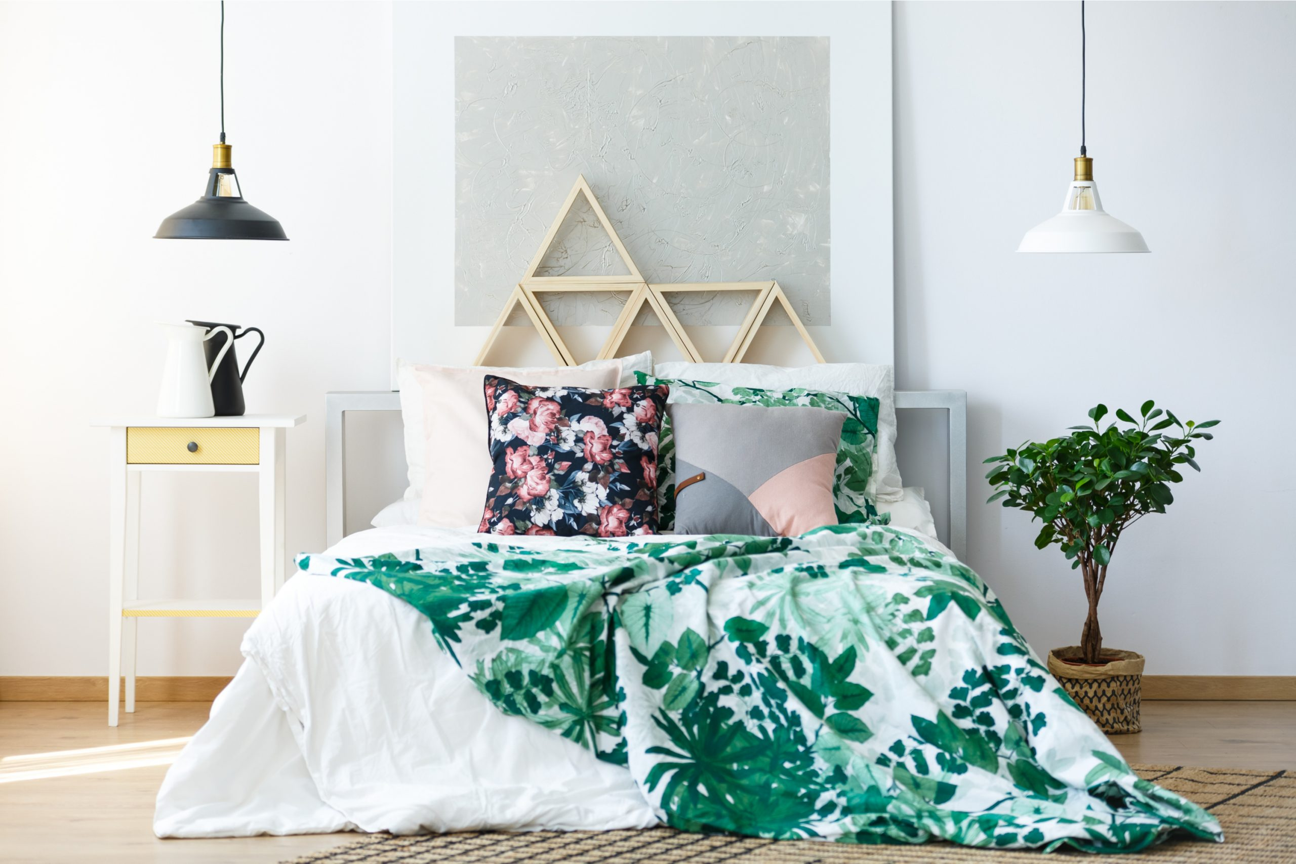 Calling all DIY lovers!!! These DIY headboard ideas will certainly get you excited about changing up your room. You will love this DIY headboard with storage.