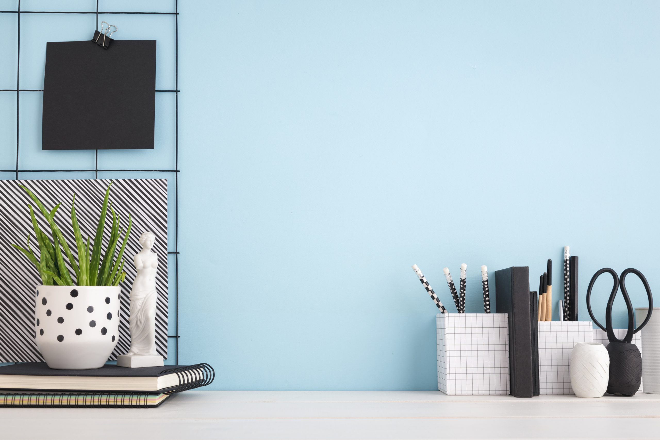 Are you looking to make your own DIY office decor? You're in luck! We have the best DIY office decor inspiration to get you started.