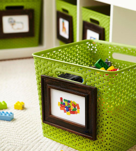 Images on labels instead of words since kids can't read. Great toy storage ideas