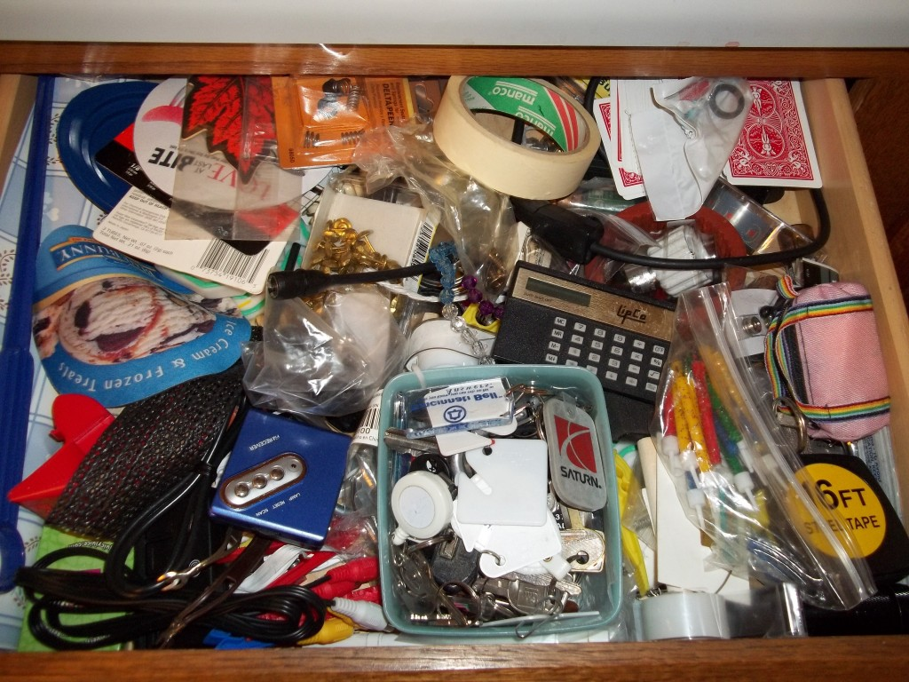 Home clutter, get rid of clutter, clutter free living, popular pin, interior design, clean home.