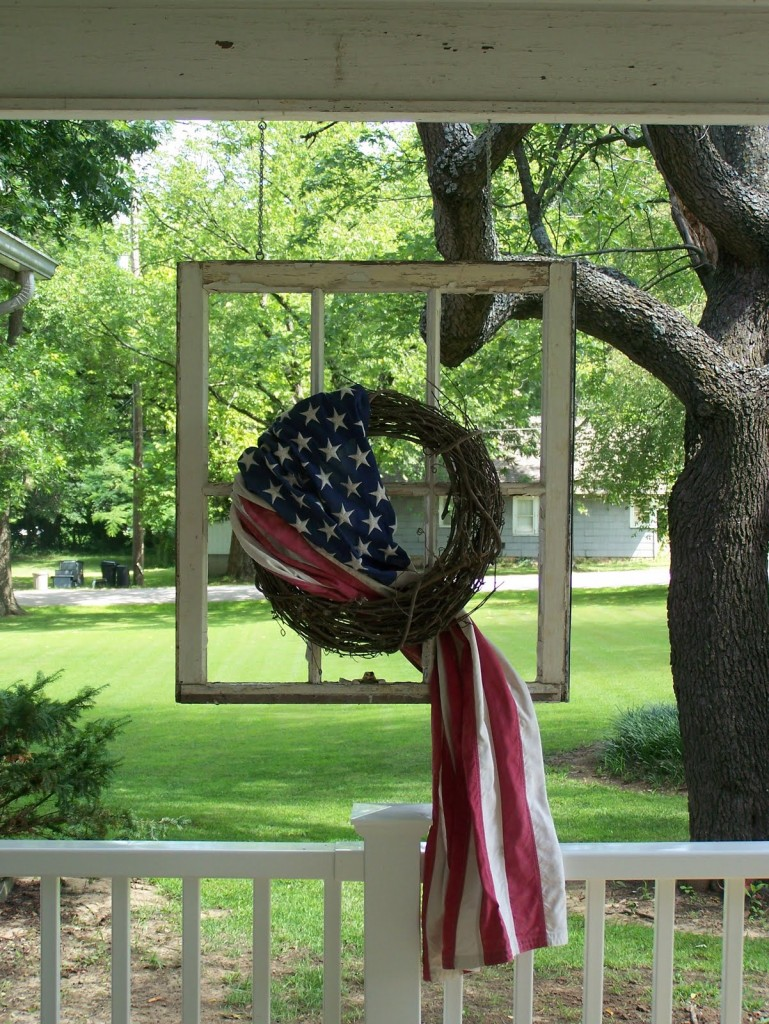 Top 25 4th of July Porch Decor Ideas20