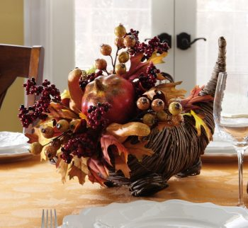 10 Beautiful Thanksgiving Centerpieces