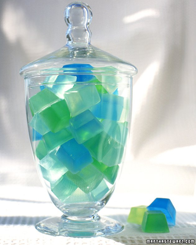 10 Ways to Decorate with Sea Glass10