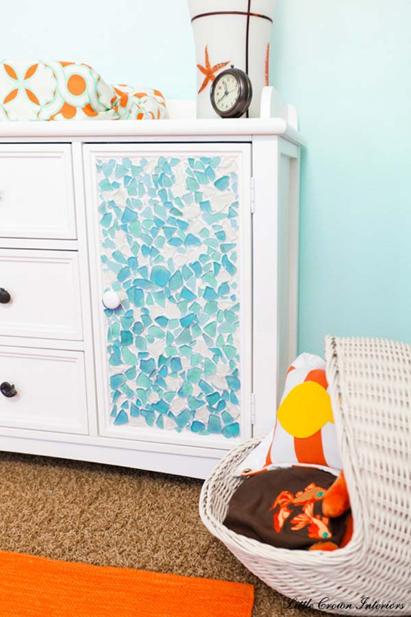 10 Ways to Decorate with Sea Glass9