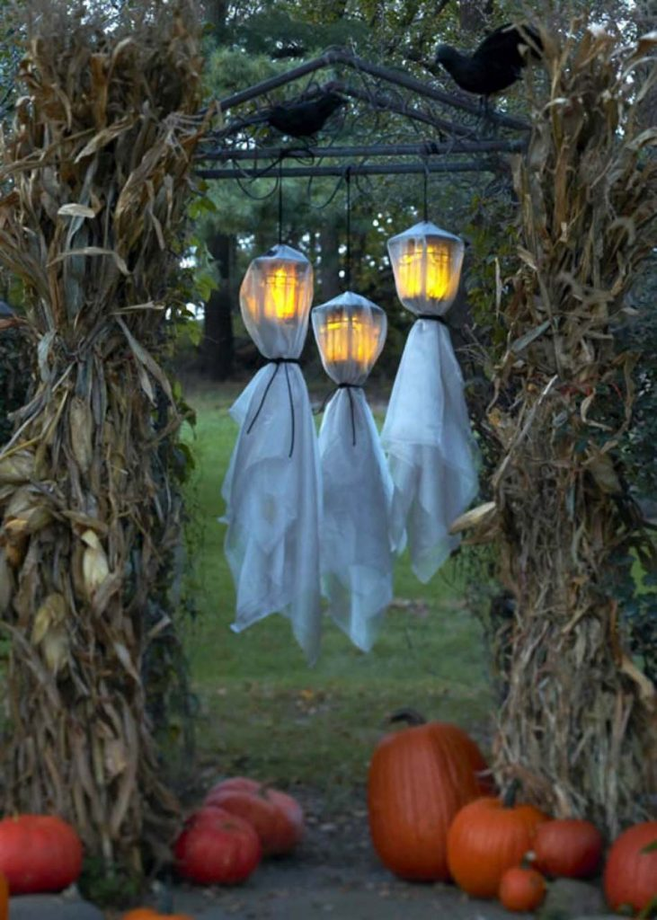 25 Cheap Halloween Decor Ideas3
