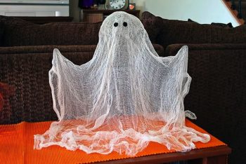 25 of the BEST Halloween Decorations2