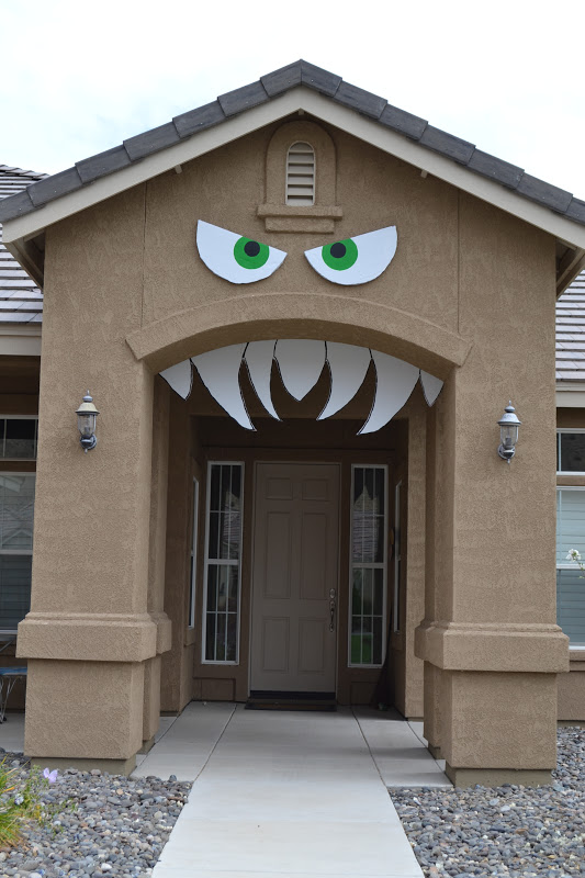 25 of the BEST Halloween Decorations3