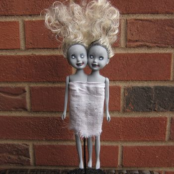 25 of the BEST Halloween Decorations4