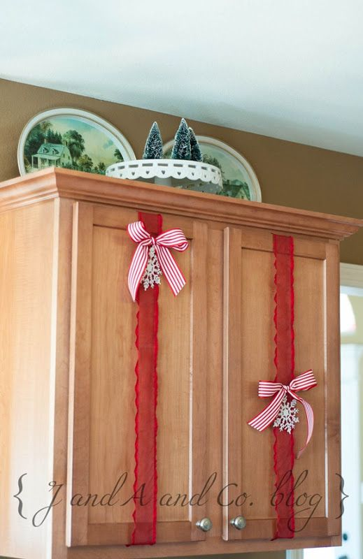14-ways-to-decorate-your-kitchen-for-christmas14