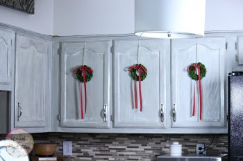 14-ways-to-decorate-your-kitchen-for-christmas6