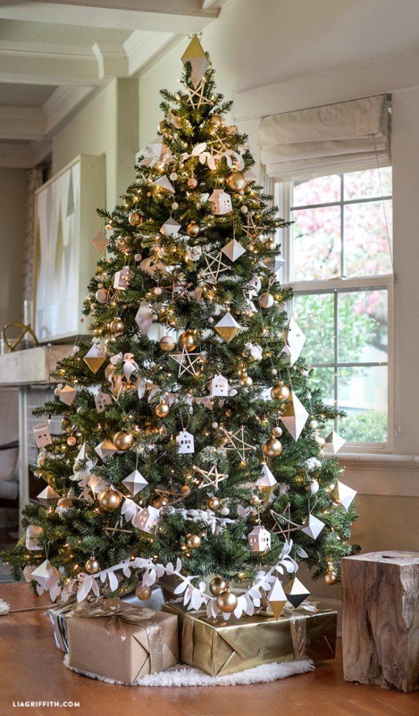 michaels_dream_christmas_tree_reveal-700x1195