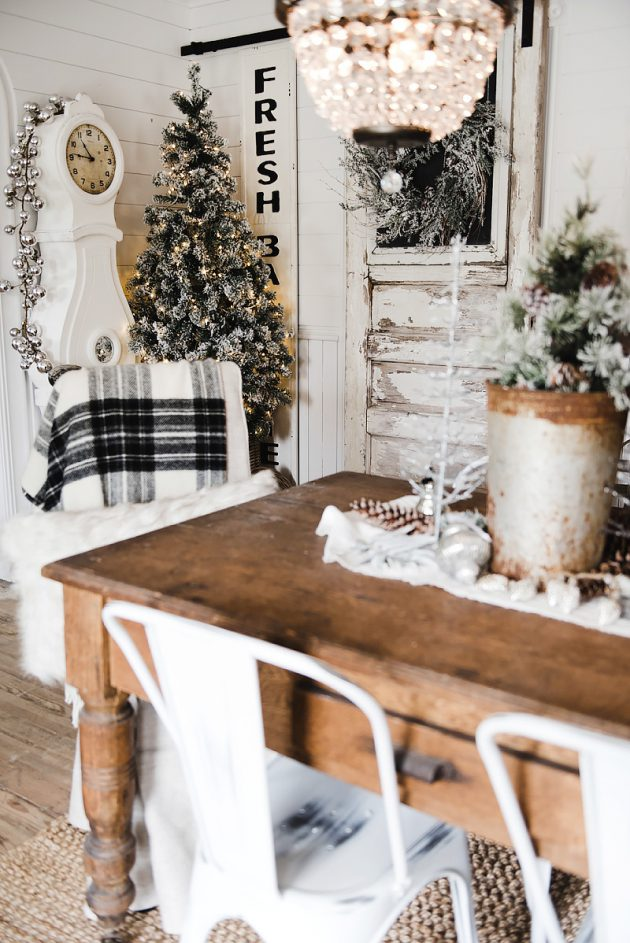 rustic-christmas-dining-room-decor-by-liz-marie_0009-630x943
