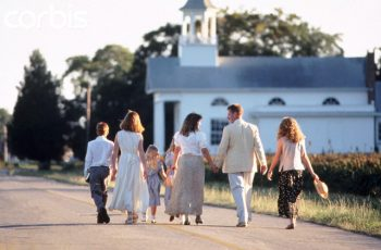 --- Family walking to church together --- Image by © Ariel Skelley/Corbis