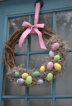26-Creative-and-Easy-Handmade-Easter-Wreath-Designs-2-620x908