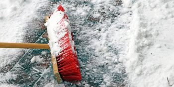 36-cold-weather-hacks-to-keep-you-cozy-this-winter-use-broom