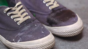how-to-waterproof-your-canvas-shoes-e1479792692820
