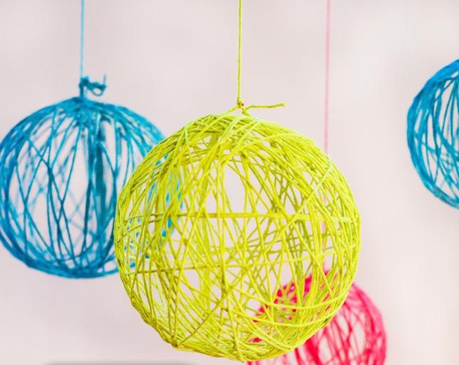 yarn-chandelier