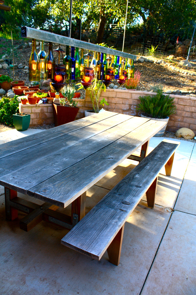 20 diy ideas for outdoor dining spaces picky stitch for Building an outdoor room