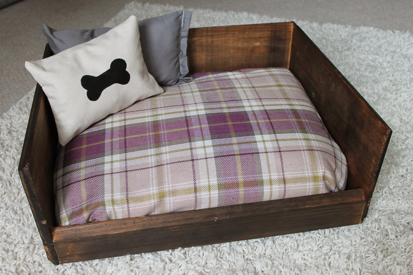 Easy Diy Dog Beds For Your Furry Friends Picky Stitch