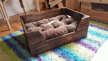 Easy DIY Dog Beds for Your Furry Friends - DIY Dog Beds, DIY Projects, DIY Pet Projects, DIY Pet Beds, Pet Bed Tutorials, Make Your Own Dog Bed, How to Make Your Own Dog Bed, Fast DIY Projects, Quick DIY, Popular Pin