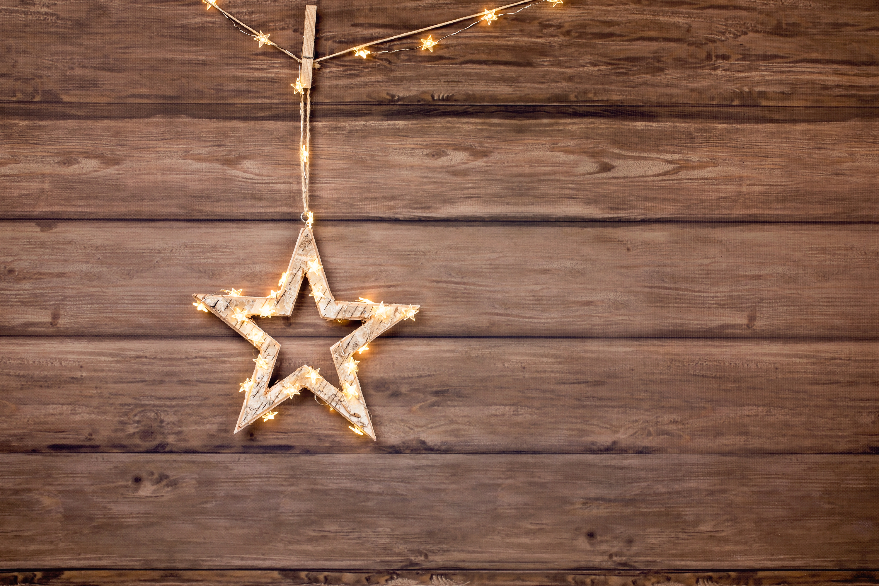 This birch wood Christmas tree ornament is the perfect addition to any rustic home. Here are some more birch wood Christmas decor ideas for your whole house. Birch Christmas Craft Decorations