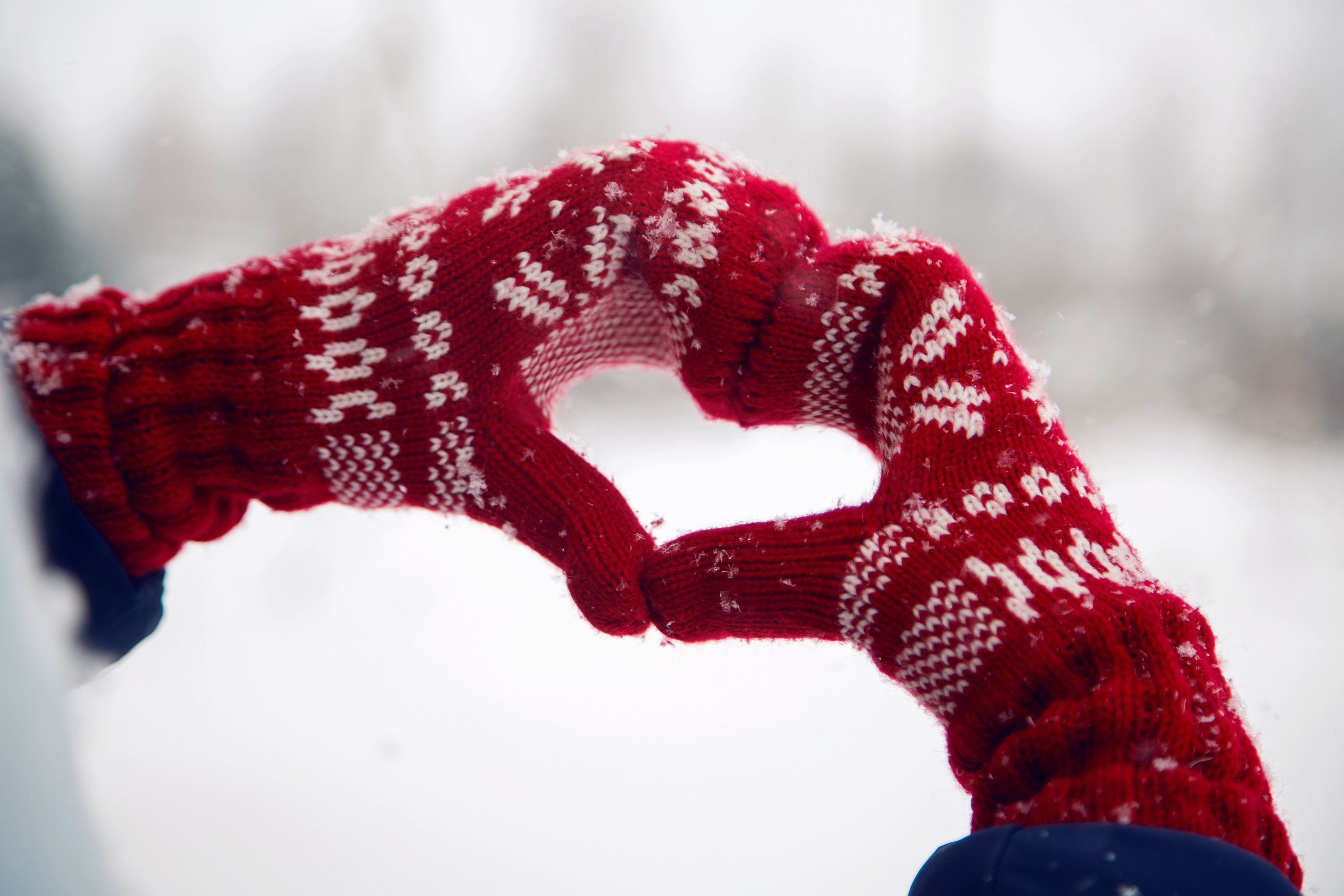 There's nothing better than a good pair of sweater mittens in the winter. Follow my step by step tutorial to make your own and stay warm this winter.