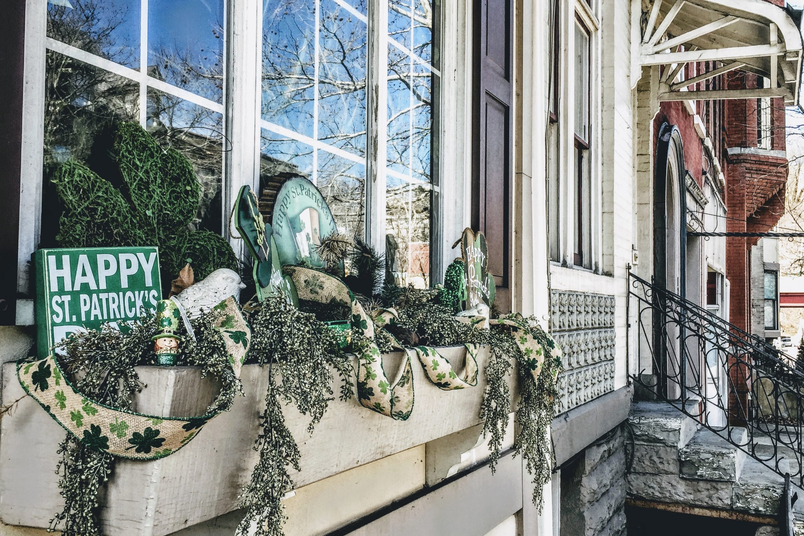 I like to have my porch completely decorated in the weeks leading up to St. Patrick's Day. I think it really helps everyone get in the festive mood. For the best St. Patrick's Day porch decor ideas, look here!