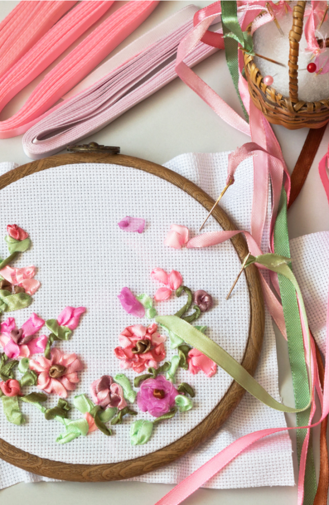 Learning embroidery stitches for beginners is a great way to pass the time while we are all adjusting to the new social distancing rules. There are so many neat things to personalize with embroidery, and these stitch tutorials will help you do exactly that. Check it out!
