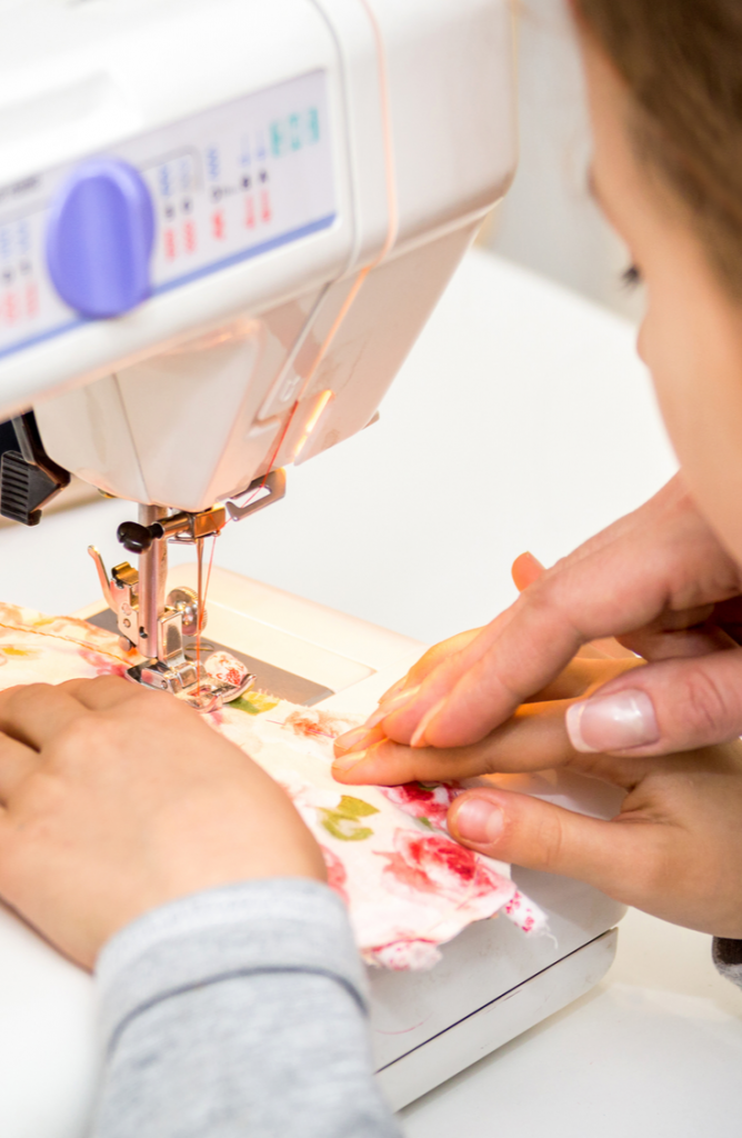 It's so much fun to try out a good sewing project! I've been sewing a lot lately and recently been really into easy sewing projects for kids. Not only are all the projects on this list easy enough for kids, but they make gifts for kids, too. Check them out!