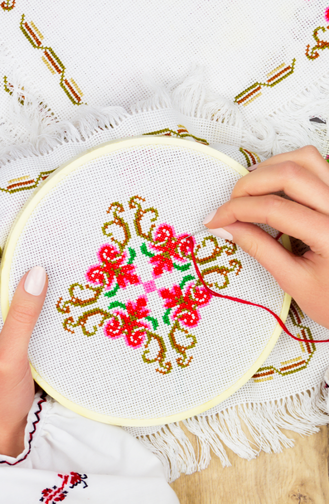 Learning embroidery stitches for beginners is a great way to pass the time while we are all adjusting to the new social distancing rules. There are so many neat things to personalize with embroidery, and these stitch tutorials will help you do exactly that. Take a look!
