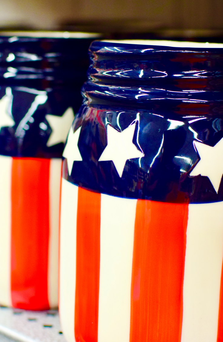 it's time for awesome DIY summer mason jar ideas! You can even paint your mason jars to look like the American Flag for the 4th of July!
